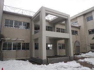 サムネイル:新川みどり野高等学校特別教室棟(中央館)及び渡り廊下耐震補強工事